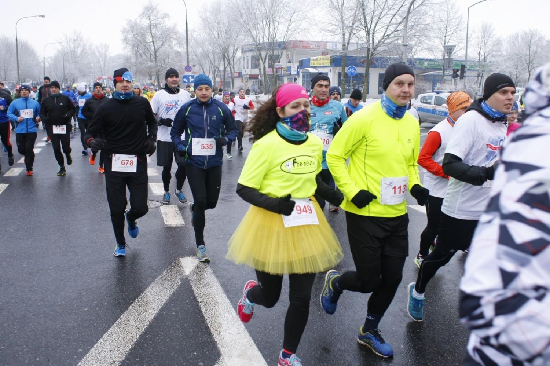 XXXV Bieg Chomiczówki - zimowy sezon biegowy trwa. Zobaczcie zdjęcia uczestników [GALERIA]