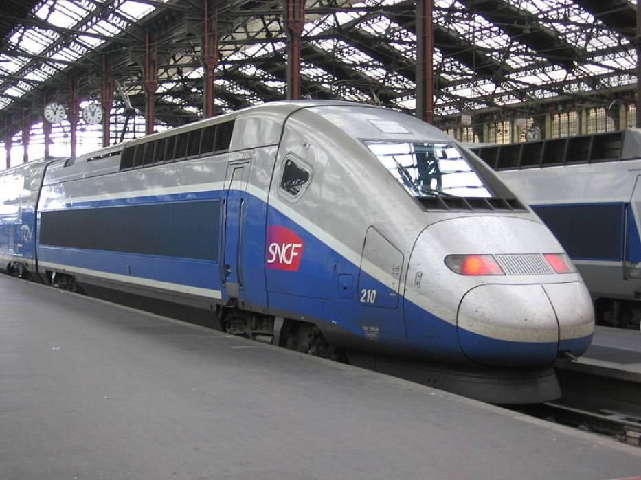 Nowoczesny pociąg TGV