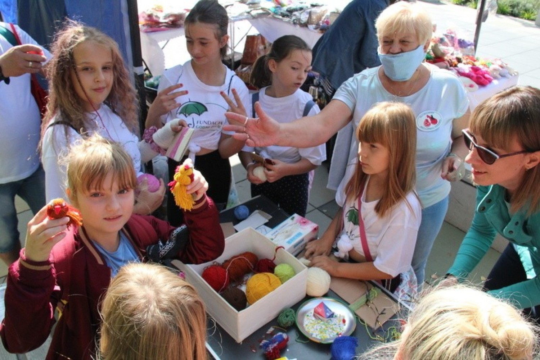 Festiwal Ludzi Aktywnych 2020 w Dąbrowie Górniczej miał charakter wielkiej gry miejskiej Zobacz kolejne zdjęcia/plansze. Przesuwaj zdjęcia w prawo - naciśnij strzałkę lub przycisk NASTĘPNE