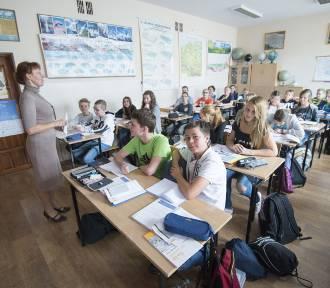 Likwidacja gimnazjów. Mniej zdolni uczniowie zostaną cofnięci do podstawówki