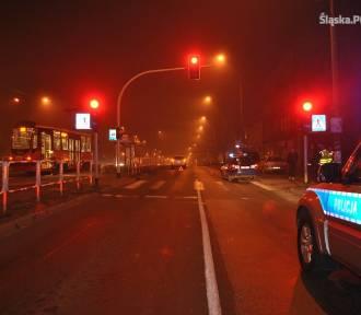 Wypadek w Wojkowicach. 21-latek w mitsubishi potrącił dwie kobiety na pasach