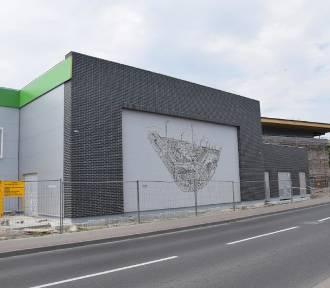 Centrum handlowe w Chodzieży - nabiera kształtów (ZDJĘCIA)
