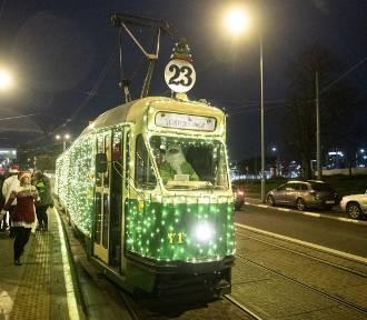 Na ulice Poznania wyjechała Świąteczna Bimba! [ZDJĘCIA]