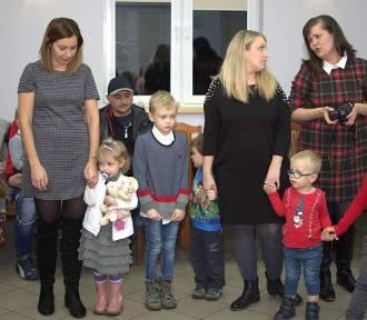 Mikołaj z Elfami oraz Myszką Miki zawitali w podsycowskiej Wiosce