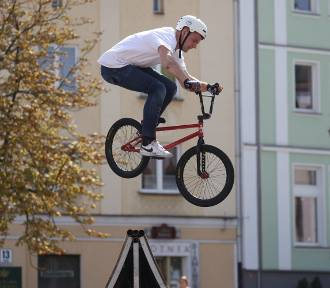 BMX w górze. Extreme Festival Białystok 2018. Mistrzostwa Polski BMX na Rynku Kościuszki (zdjęcia)