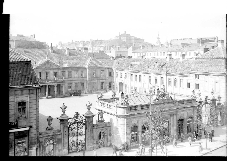 Tak wyglądała Warszawa ponad sto lat temu. Niepublikowane zdjęcia, przeleżały lata w archiwach [GALERIA]
