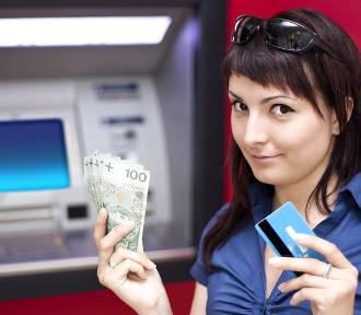 Jak mądrze wydać pierwszą wypłatę i nie popaść w długi?