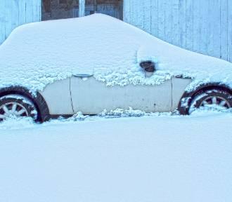 Nie możesz odpalić auta w mrozie? Pomogą gostyńscy strażnicy miejscy