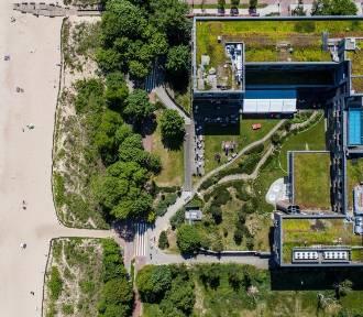 Zdjęcia z lotu ptaka bazy Polaków w Sopocie