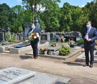 Władze Kościana uczciły pamięć zmarłych samorządowców