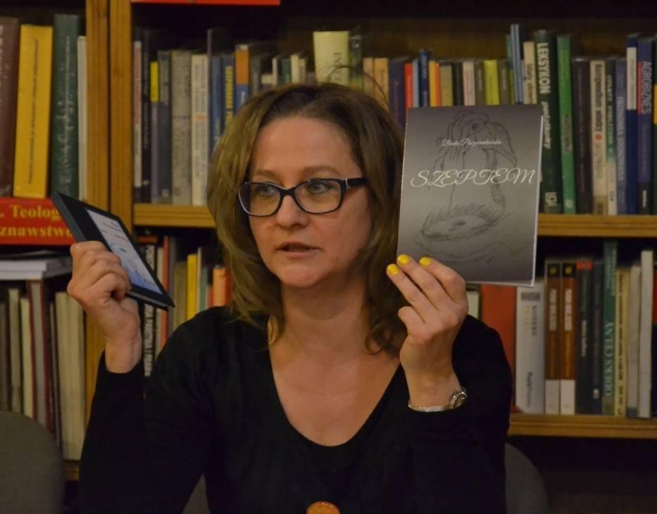 W piątek w Miejskiej Bibliotece Publicznej w Lipnie odbyło się spotkanie Lipnowskiej Grupy Literackiej