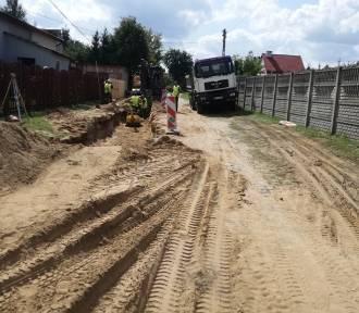Bobrowice: Rozpoczęli budowanie drogi za 2,7 mln zł [ZDJĘCIA]