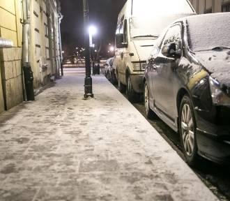 Drogi i chodniki będą śliskie [OSTRZEŻENIE]