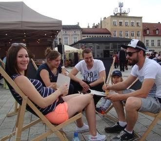 Festiwal Food Trucków trwa na Rynku Głównym w Oświęcimiu
