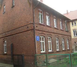 Tanie mieszkania i działki od PKP w Kujawsko-Pomorskiem. Gdzie i za ile?