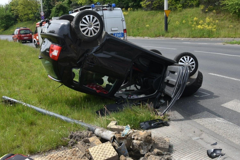 Volkswagen polo jechał od strony ul