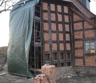 Remont kościoła w Jaktorowie: Zobacz jak postępują prace! (ZDJĘCIA)