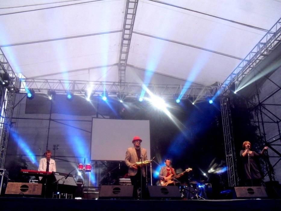 Klimaty latynoskie, reggae i elementy muzyki ludowej  można było usłyszeć w wykonaniu K