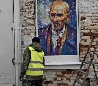 Zupełnie nowa odsłona miejskiej galerii przy ul. Wąskiej. Powstały pierwsze obrazy