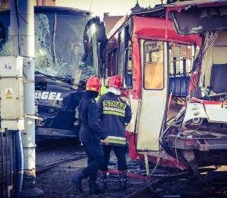Jak zachować się na drodze, gdy jesteśmy świadkami wypadku?