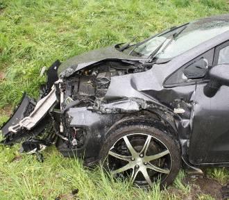 Dwa wypadki przez niedostosowanie prędkości do warunków