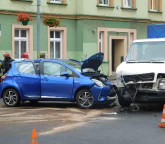 Uwaga! Stłuczka na ulicy Andersa w Wałbrzychu [ZDJĘCIA]