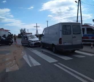 Zderzyły się 3 pojazdy, sprawca wypadku uciekł