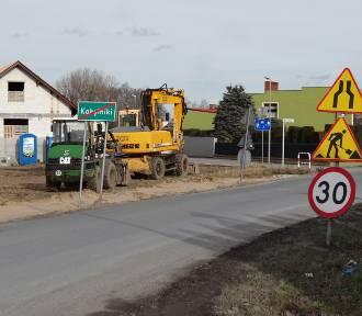 Trwa wyczekiwana przez mieszkańców modernizacja drogi