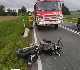 Wypadek pod Pawonkowem. Motocyklista wjechał do rowu