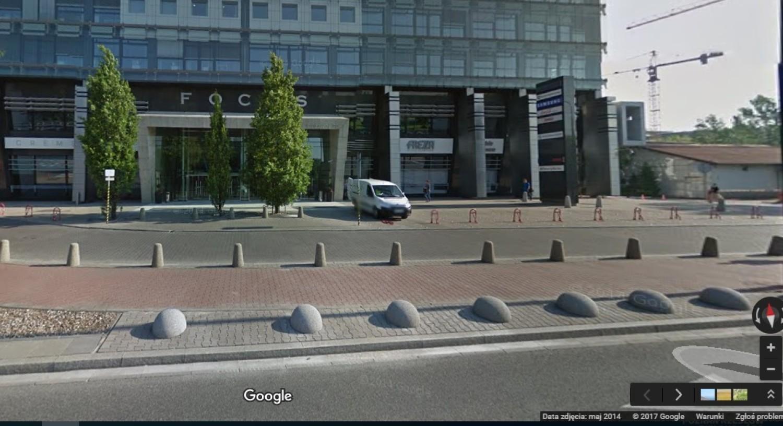 Samochód Wjechał W Witrynę Sklepu Kierowca Pomylił Biegi Zdjęcia