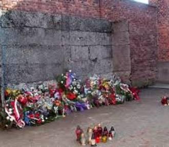 Kawalerzyści z Libiąża uczcili ofiary egzekucji w Auschwitz