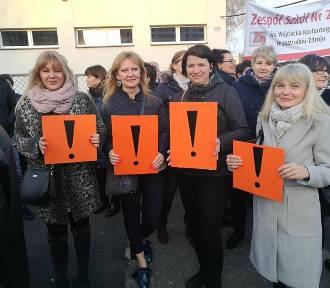 Strajk nauczycieli w Jastrzębiu:radni PiS chcą dać dodatki wyrównawcze