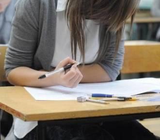 Dziś drugi dzień egzaminów gimnazjalnych. Strajk nauczycieli trwa.