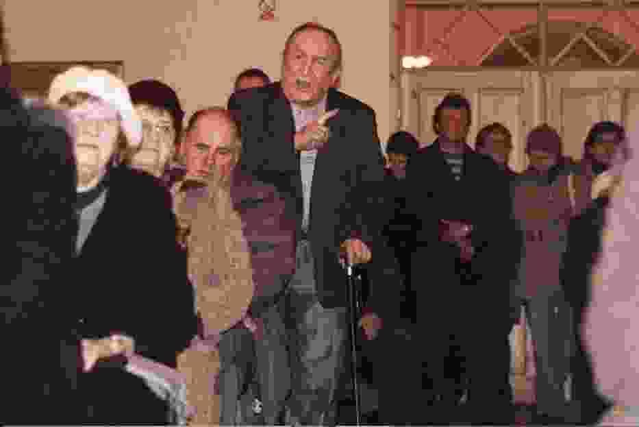 Kazimierz Wojak z Łęga podczas spotkania w sprawie miejscowej przychodni wytykał problemy z lecznicą