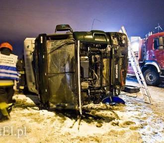 Wypadek tira na trasie nr 7. Kierowca był pijany