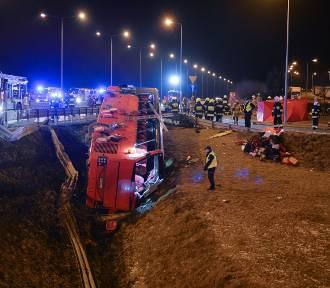 5 osób zginęło w wypadku ukraińskiego autokaru na A4 koło Przemyśla [ZDJĘCIA]