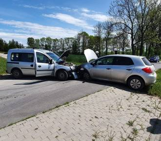Wypadek dwóch samochodów w Wymysłowie pod Radzyniem Chełmińskim