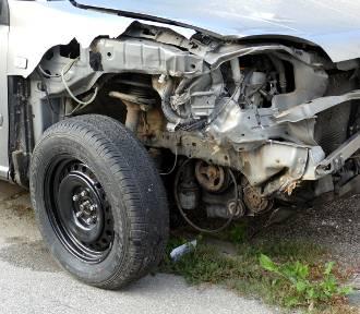 Wypadek w Jastrzębiu: dzisiaj nad ranem miało miejsce zderzenie aut  przy ulicy Pochwacie. Kto