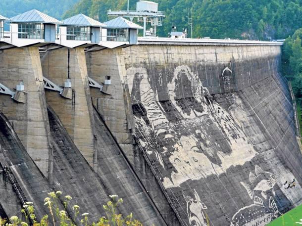 Nad solin nie tylko zobaczysz najwi ksz zapor w kraju for Mural na tamie w solinie