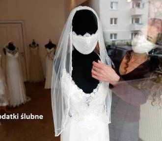 Maseczka pod welonem i wódka do dezynfekcji, czyli ślub w czasie pandemii [GALERIA MEMÓW]