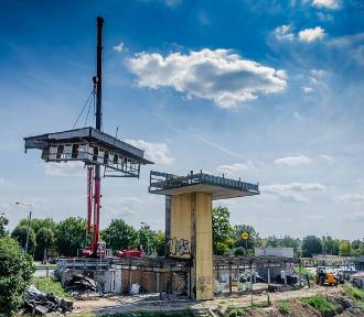 Rozbiórka nastawni kolejowej. Znika kawał historii miasta [ZDJĘCIA]