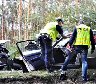 Tragiczny wypadek koło Zielonejgóry. Nie żyją dwie osoby (nowe zdjęcia)