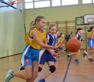 Liga wojewódzka [U12K, Grupa A] - koszykówka w Żelistrzewie [zdjęcia]