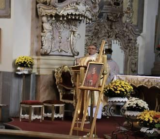 37. rocznica mordu księdza Jerzego Popiełuszki. Uroczysta msza święta w Brzegu