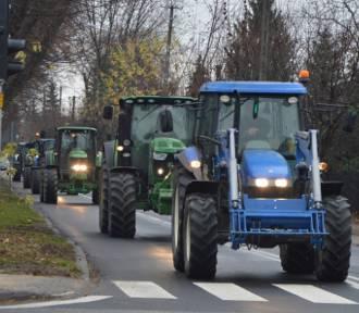 Rolniczy protest w powiecie łowickim. Hodowcy trzody chlewnej wyjechali ciągnikami na DK nr 92