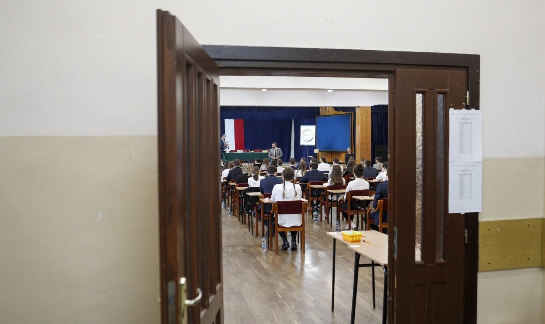 Zobacz też: Alarmy bombowe na maturach w rzeszowskich szkołach