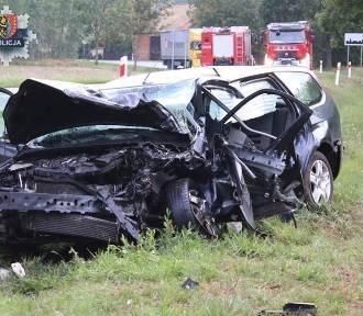 24-latka w ciężkim stanie po groźnym wypadku koło Nowego Dworu