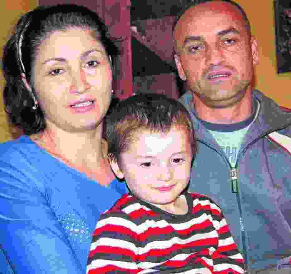 Po dwóch latach pobytu w Polsce Kamisa i Pasza wraz z synem postanowili wrócić do rodzinnej Czeczenii