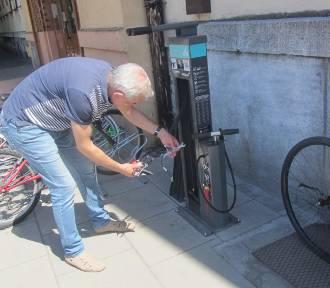 Poznań: Coraz więcej stacji naprawczych dla rowerzystów [ZDJĘCIA]
