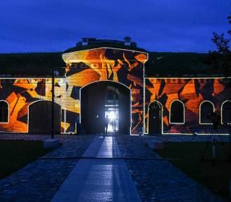 Światło i historia - Mapping na zabytki w Bramie Poznania [ZDJĘCIA]